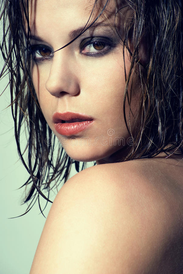 湿头发的纵向 库存照片