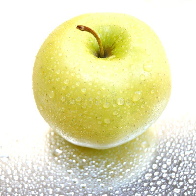 湿的苹果 免版税库存照片