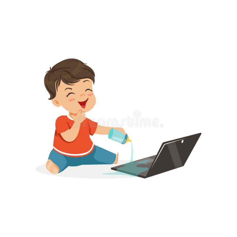 溢出在膝上型计算机的逗人喜爱的矮小的恶霸男孩水,流氓快乐的小孩,坏儿童行为传染媒介例证 皇族释放例证