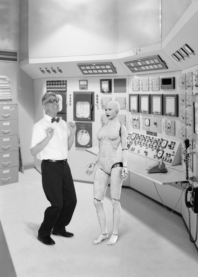 滑稽的减速火箭的书呆子科学家,爱,机器人 免版税图库摄影