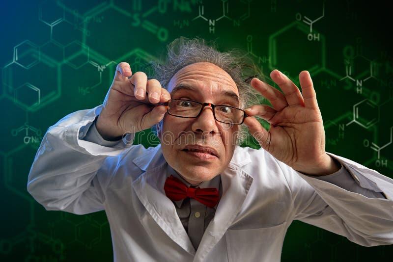 滑稽的化学教授 免版税库存照片