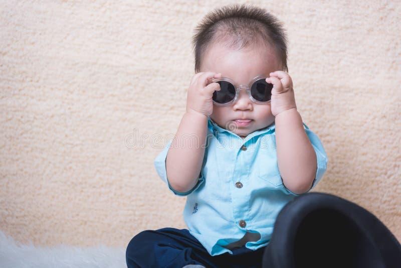 滑稽的男婴孩子 免版税图库摄影