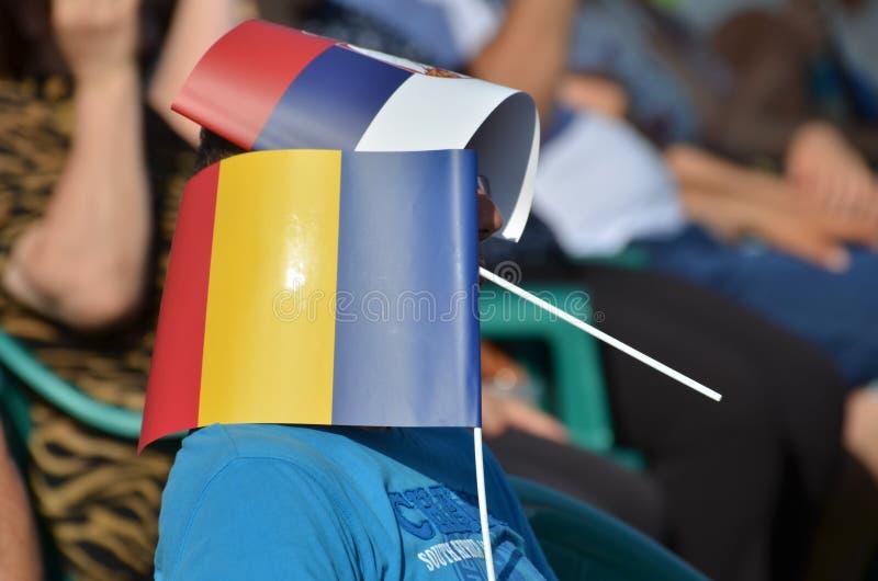 滑稽的街道画象 罗马尼亚旗子 塞尔维亚旗子 免版税库存图片