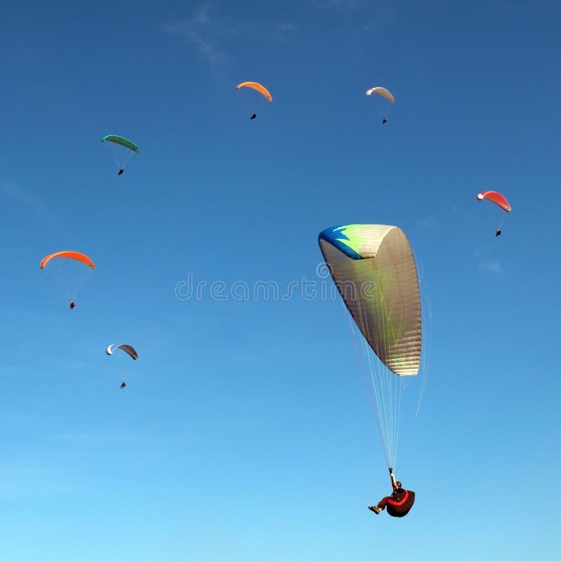 滑翔伞环形 免版税库存照片