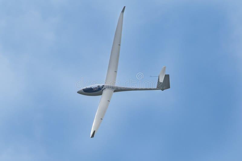 滑翔机平面飞行 免版税库存图片
