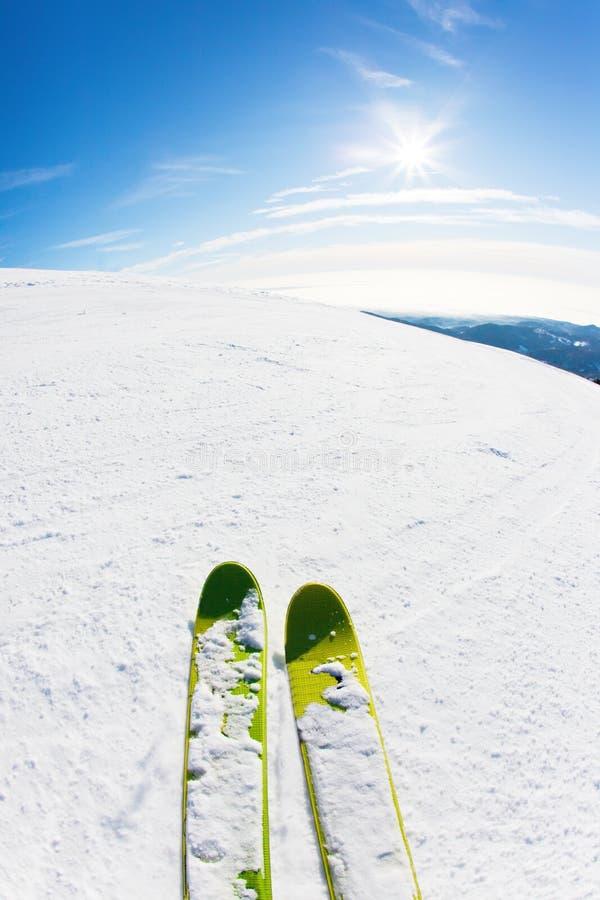 滑雪滑雪倾斜 免版税图库摄影