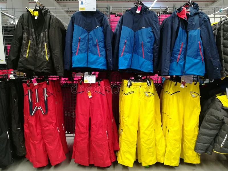 滑雪衣物 免版税库存照片