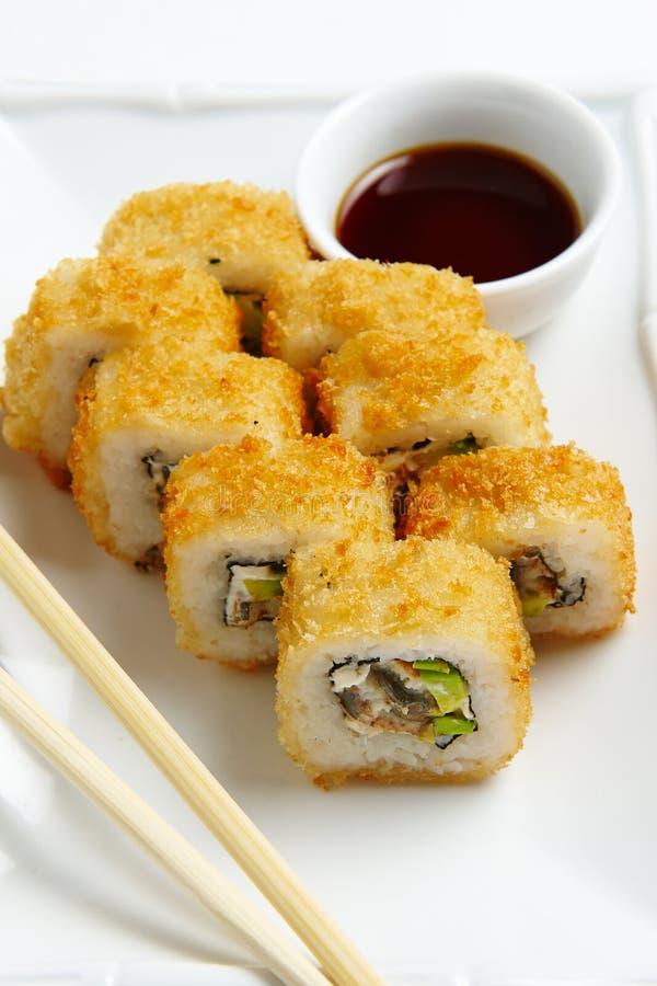 滚动京都,天麸罗虾乳脂干酪,黄瓜黏浆状物质,皇家 免版税库存图片