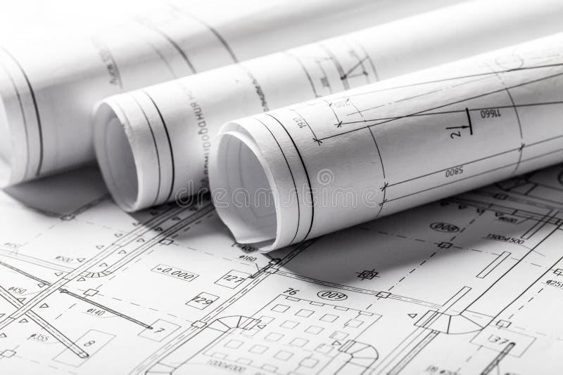 滚动的议院图纸和建筑计划 库存图片
