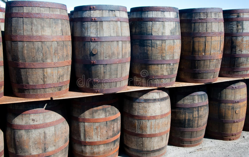 滚磨威士忌酒 免版税库存照片