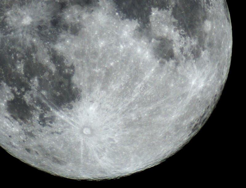 满月细节和火山口观察 库存图片