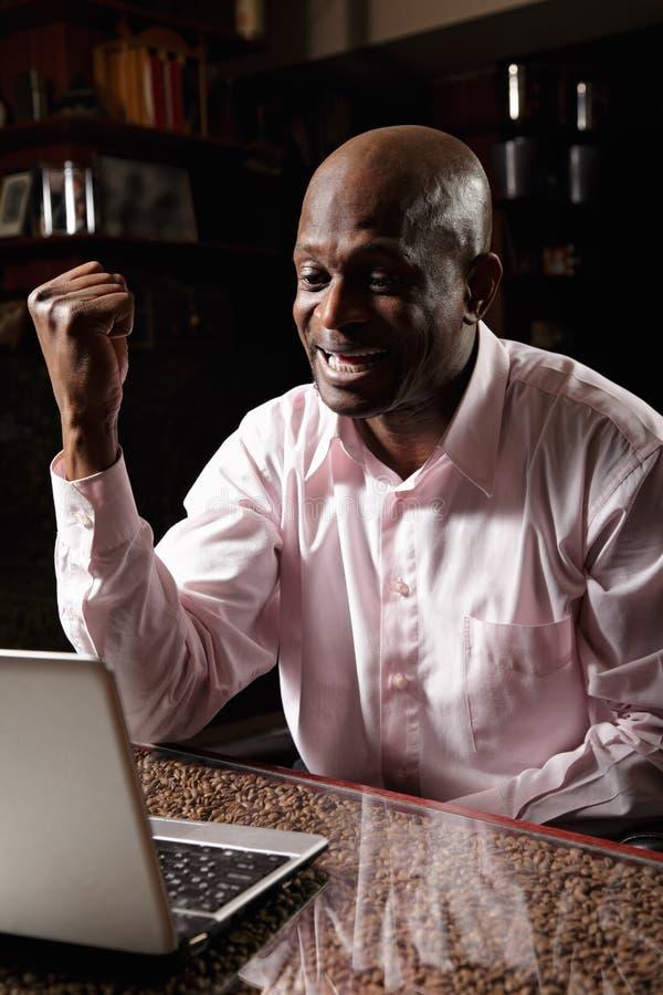 满足的非洲人 免版税图库摄影