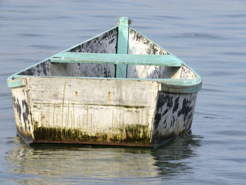 漂浮在海水的独木舟在巴西 免版税库存照片
