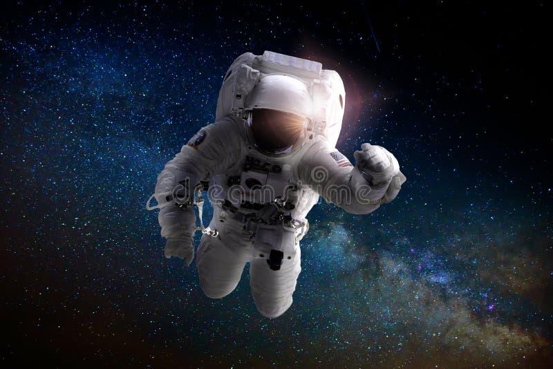 漂浮在空间的宇航员或太空人 免版税库存照片