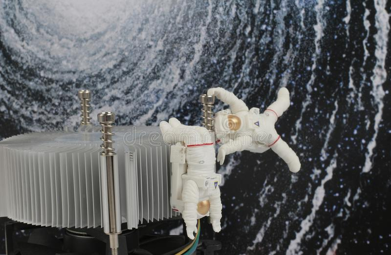 Download 漂浮在空间的黑背景中的宇航员 库存例证. 插画 包括有 地球, 浮动, 探险, 波斯菊, 背包, 重婚 - 107866775