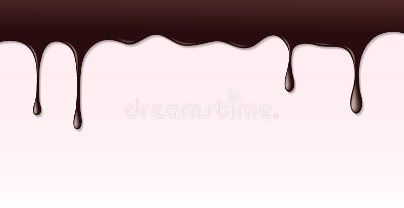 漏在桃红色蛋糕背景的黑暗的巧克力糖浆 皇族释放例证