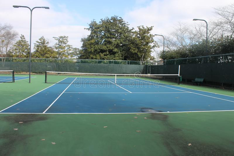 演奏体育的网球美好的天 免版税库存照片