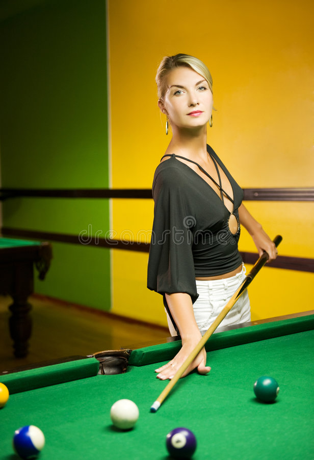 演奏妇女的台球 库存照片