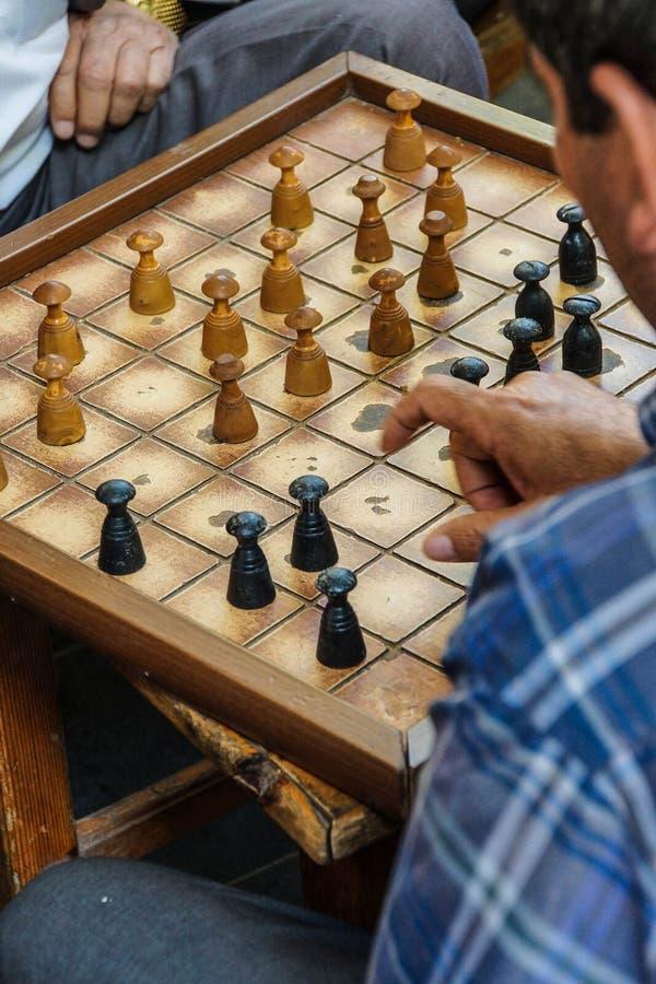 演奏boardgames的人 图库摄影