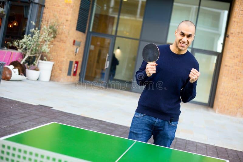 演奏pong的砰 免版税库存照片