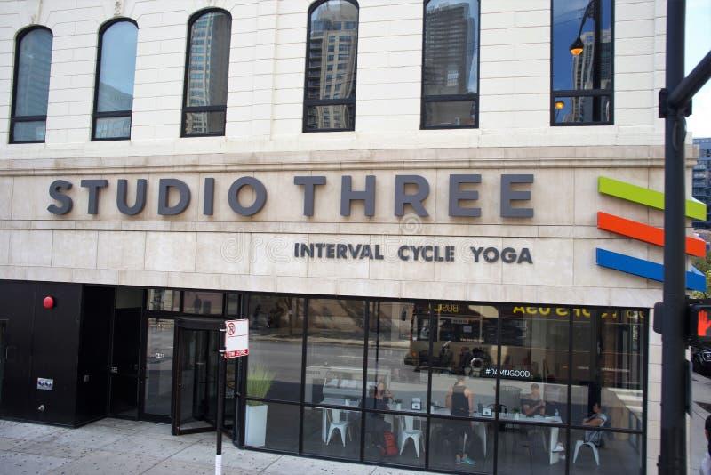 演播室三瑜伽芝加哥,伊利诺伊 库存照片