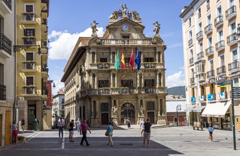 潘普洛纳市政厅正方形 免版税库存照片