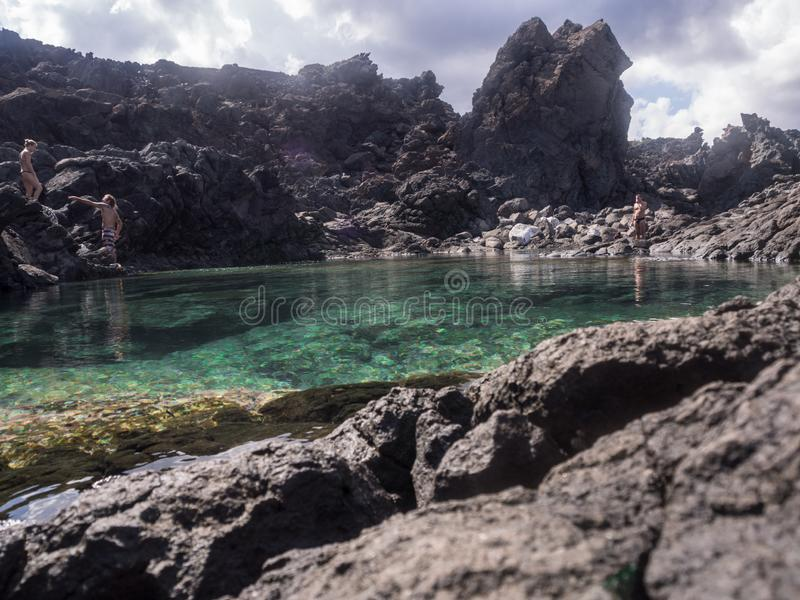 潘泰莱里亚海岛,意大利 ondine池塘  免版税图库摄影