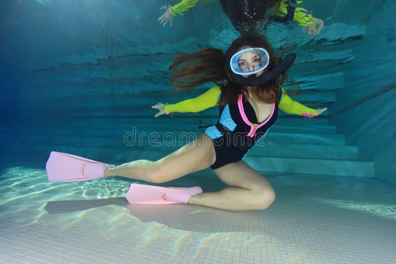 潜水员女性水肺 库存图片