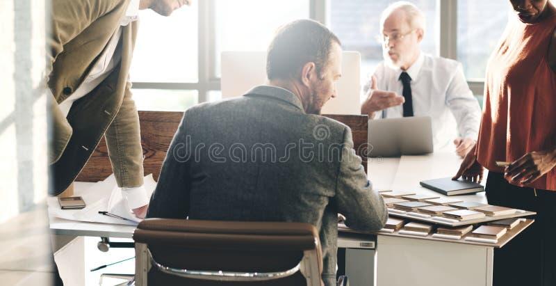 潜水者人在办公室工作 免版税库存图片