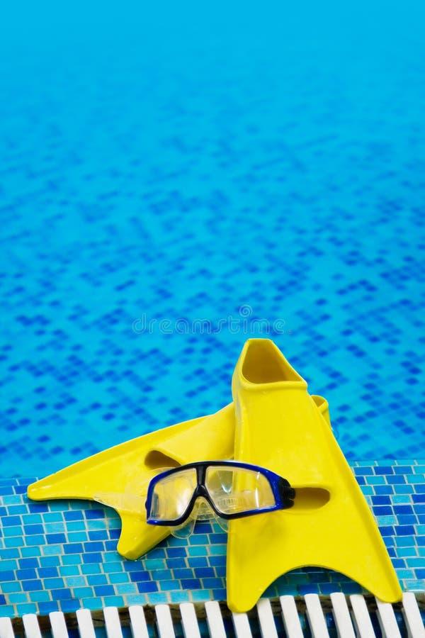 潜水鸭脚板屏蔽 免版税库存图片
