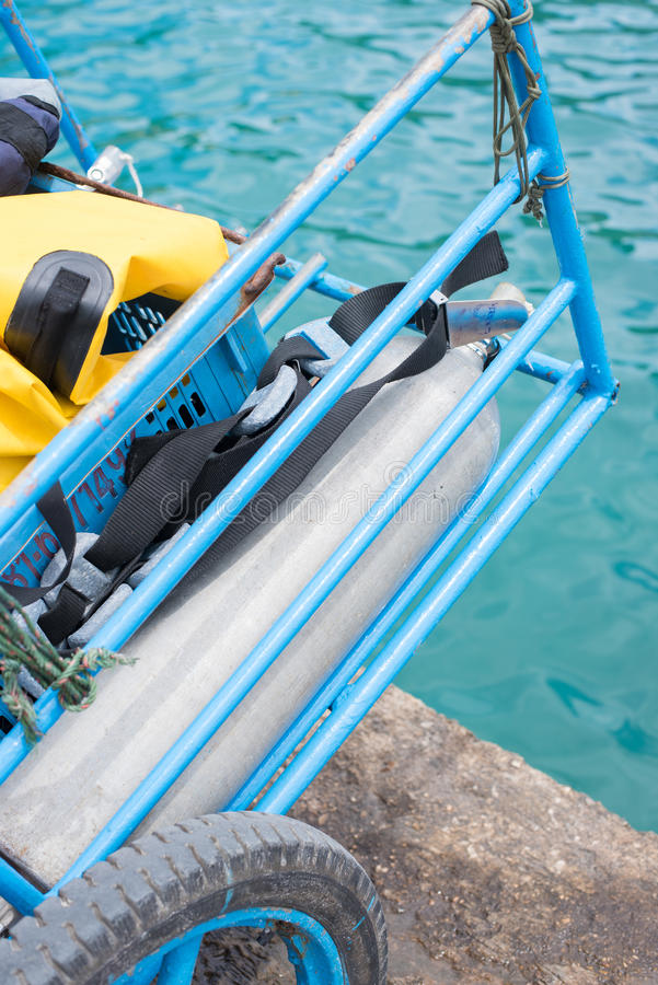 潜水的氧气罐 库存图片
