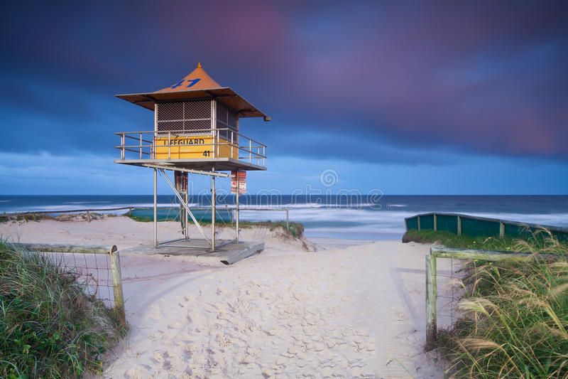 澳大利亚海滩小屋救生员 库存图片