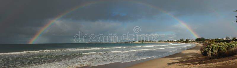 澳大利亚维多利亚阿波罗湾,从天而降的圆满半圆 免版税图库摄影