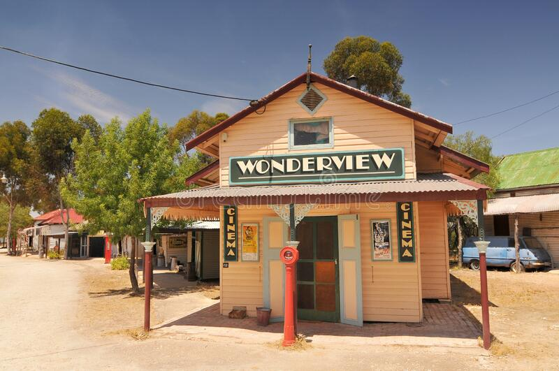 澳大利亚老泰廉镇的Wonderview影院澳大利亚最大的探险村Tailem Bend 图库摄影