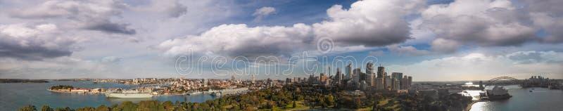 澳洲悉尼 城市港口鸟瞰图有的大厦的 库存图片