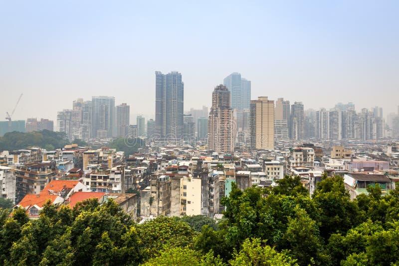 澳门有贫民窟和高生存大厦的市中心全景 免版税库存照片