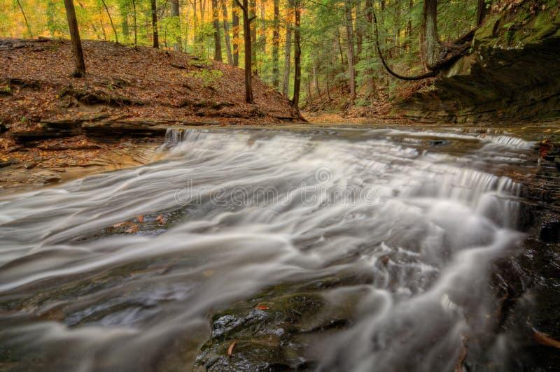 瀑布在秋天 图库摄影