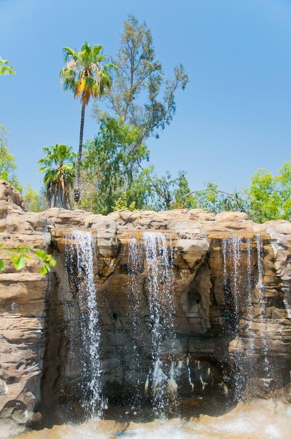 瀑布在洛杉矶动物园里  库存照片