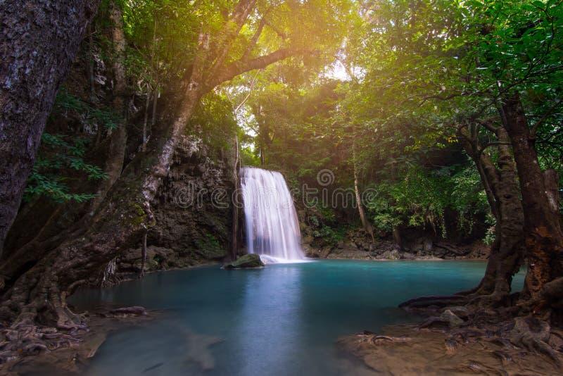 瀑布美丽的erawan瀑布 免版税库存照片