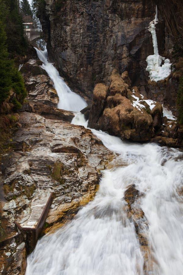 瀑布飞行水在坏Gastein,奥地利 库存照片