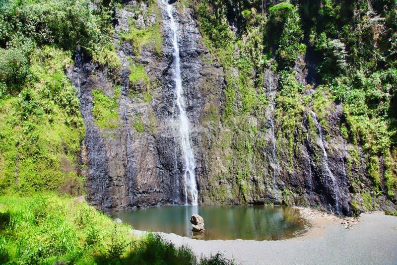 瀑布,塔希提岛,法属波利尼西亚,接近博拉博拉岛 免版税库存图片