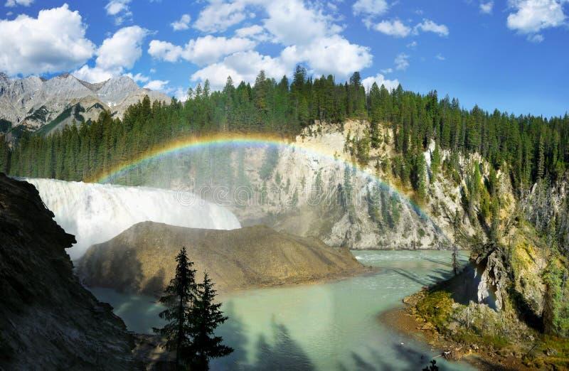 瀑布,秋天,彩虹,加拿大 免版税图库摄影