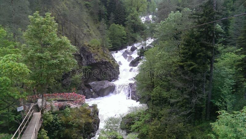 瀑布,阿布哈兹,山,自然,绿色,春天,传统,爱 库存图片