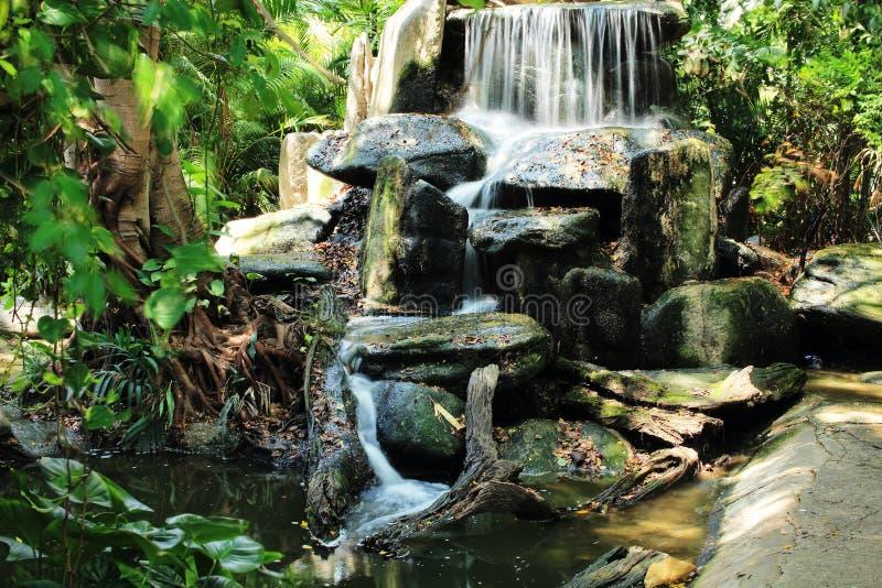 瀑布, Dusit动物园(Khao声浪),曼谷,泰国 库存照片
