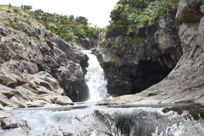 瀑布- Ribeira做Moinho 库存照片