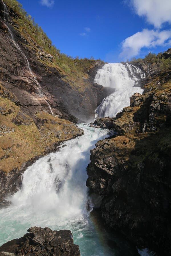 瀑布Kjosfossen在挪威 免版税图库摄影