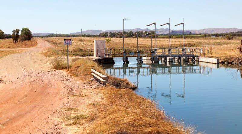 灌溉在Kununurra 免版税库存图片