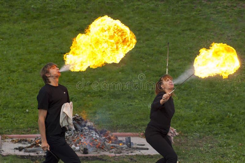 火剧院的艺术家  免版税库存照片