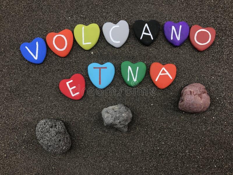 火山与色的心脏石头的Etna名字 免版税库存图片