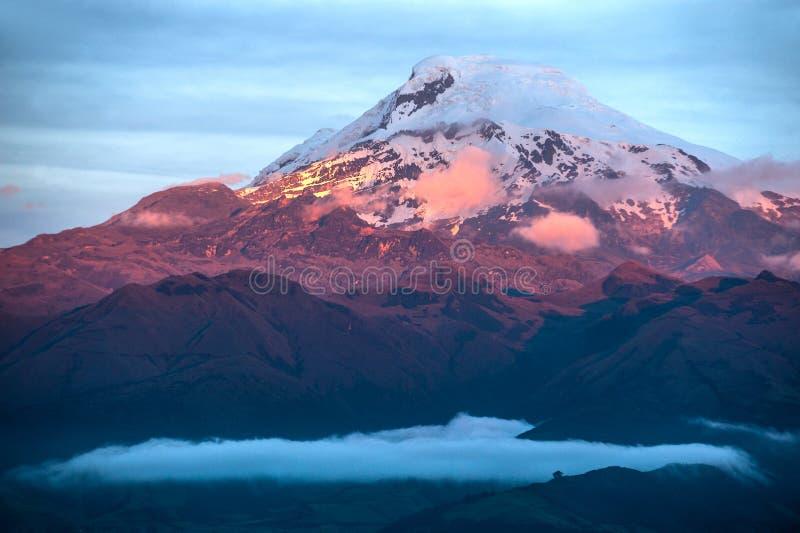 火山卡扬贝火山在厄瓜多尔 图库摄影